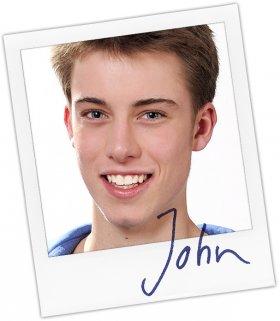 John wird gespielt von Lukas Amberger